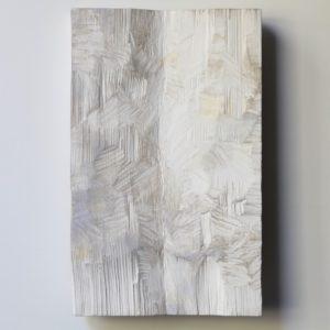 Pikkupakkanen, 2021, kuusi, tempera, 35 x 22 x 3 cm